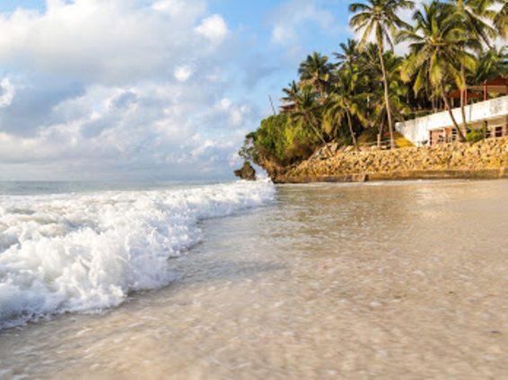 photo-by-brian-gatimu-beach